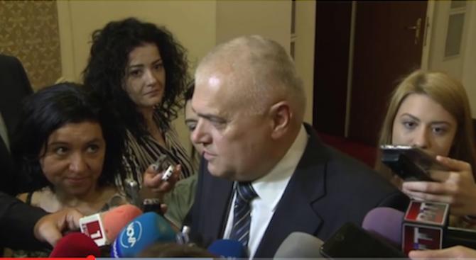 Валентин Радев: Цяла Европа ни хвали за опазването на границата (видео)