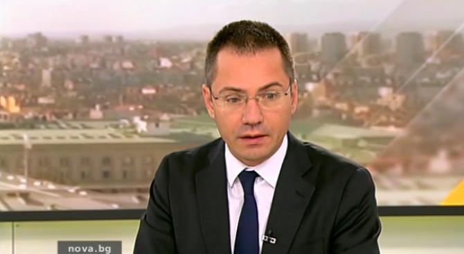 Ангел Джамбазки: МВР не пази българските полицаи