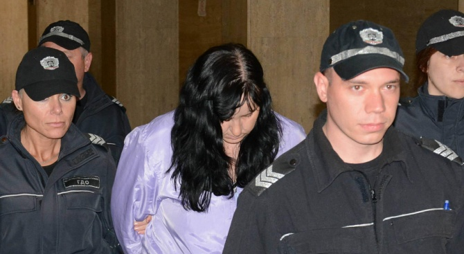 Бебето Никол, бито от акушерката Емилия Ковачева, получило тежко заболяване