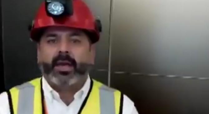 Чилийски миньор, спасен през 2010 г., отправи послание  към блокирания в Тайланд футболен отбор