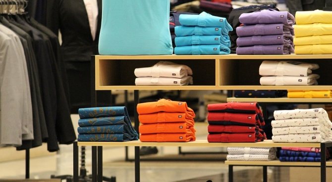 Учени препоръчаха мъжете да ходят на работа с тениски