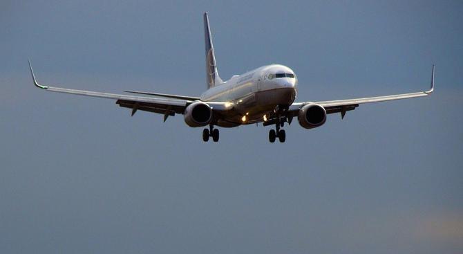 Пътнически самолет се разби край Претория