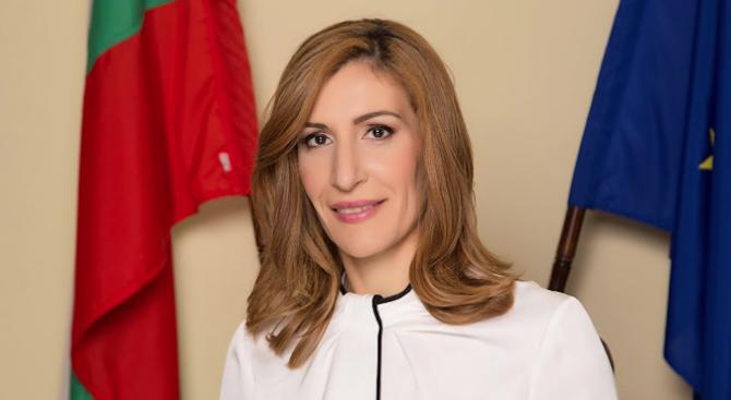 Ангелкова: МТ не е издавало категоризации на самостоятелни заведения за хранене и развлечения на палжовете във Варна