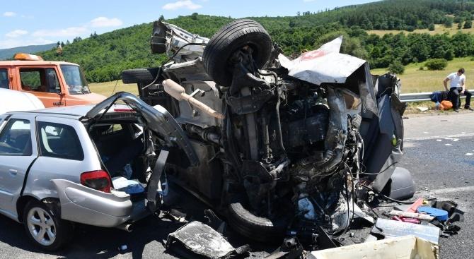Черна събота: Двама загинаха на пътя Варна - Бургас