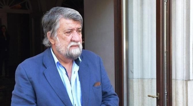 Вежди Рашидов дарява 3 000 лева за лечението на дъщерята на поетесата Маргарита Петкова
