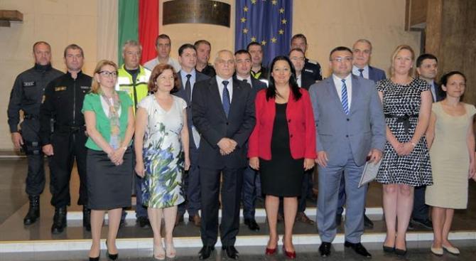 Лиляна Павлова благодари на целия състав на МВР за проявения професионализъм по време на европредседателството