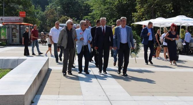 Румен Петков: Решението за името на Македония е плод на външен натиск