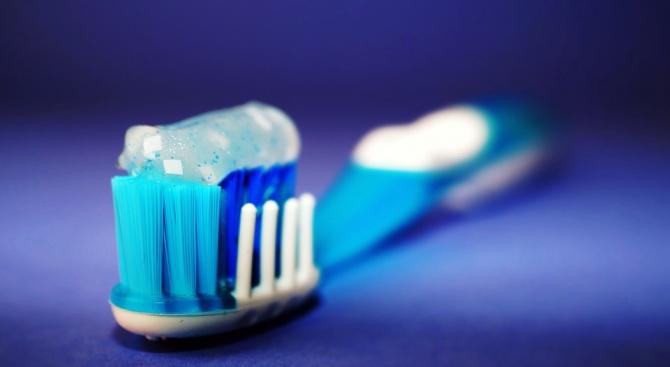 Учени предупредиха за опасности, свързани с пастата за зъби