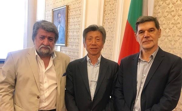 Вежди Рашидов подкрепи представянето на българско изкуство в Китай