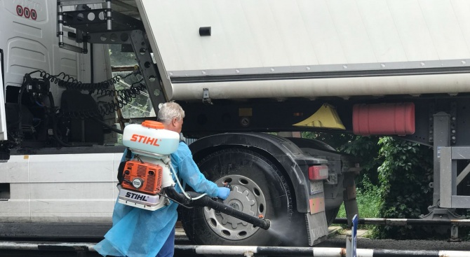 Порожанов инспектира мерките срещу чумата в Добричко