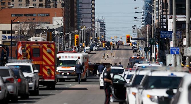 """Няма данни стрелецът от Торонто да е свързан с """"Ислямска държава"""""""