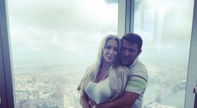 Антония Петрова - на околосветско пътешествие за медения месец (снимки)