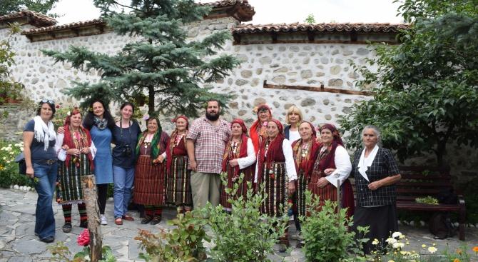 Първа етнографска експедиция на НИМ в с. Добърско (снимки)