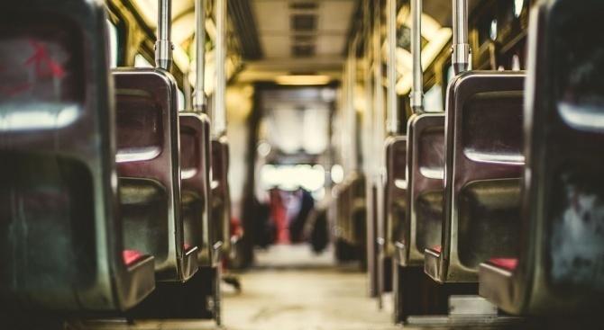 Кола засече автобус на градския транспорт в София