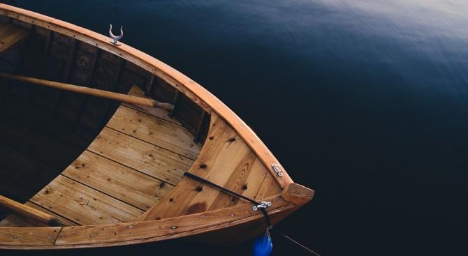 Учител прекоси с гребане Атлантическия океан за рекордно време