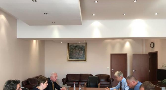 Сметната палата запозна министър Димов с резултатите от проверката на въздуха