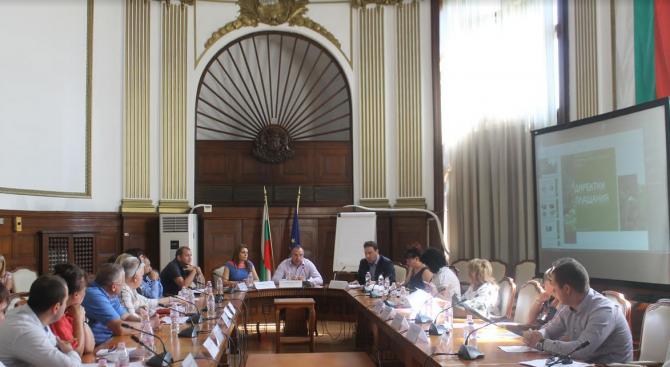 Министър Порожанов се срещна с производители на плодове и зеленчуци