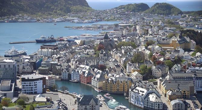 Област в Норвегия счупи температурния рекорд, а много части от Европа са в капана на жегите