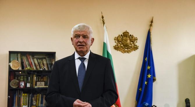 Здравният министър освободи директора на Фонда за лечение на деца в чужбина