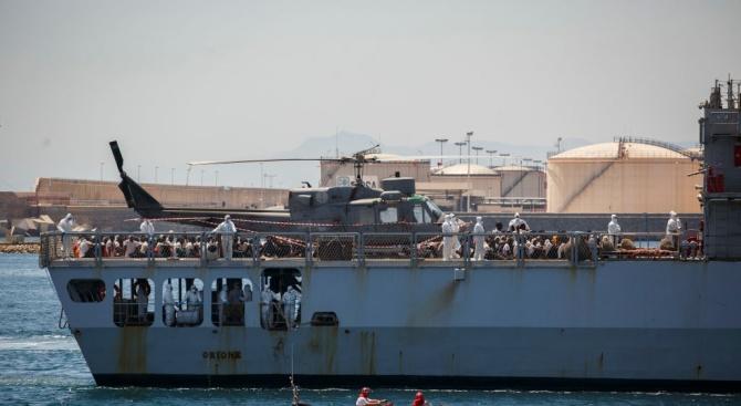 """Пет страни от ЕС ще приемат мигрантите от кораба """"Акуариус"""""""