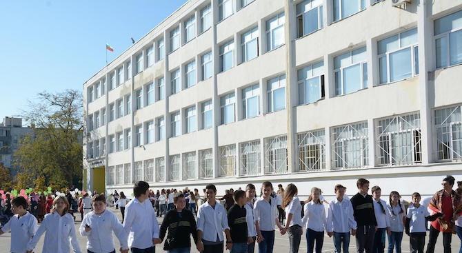 50 училища посрещат първия звънец с ремонт