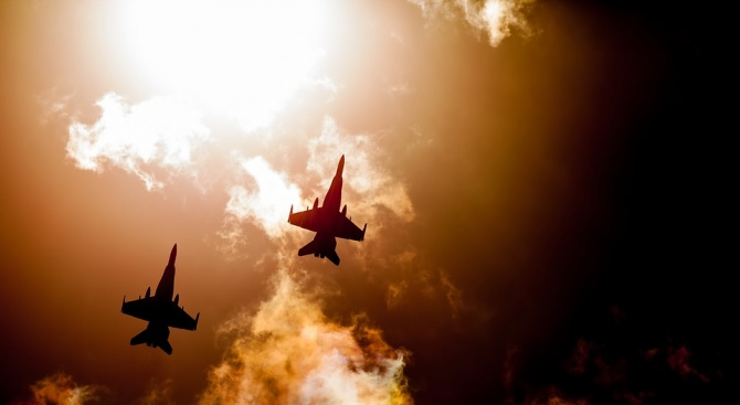Британски изтребители съпроводиха руски самолети над Черно море