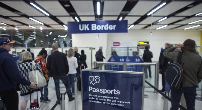 Французин влиза в затвора във Великобритания, заради фалшив сигнал за бомба на летището
