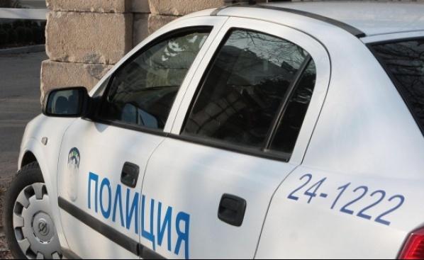 Маскирани нахлуха в дома на ексминистъра на туризма Бранимир Ботев (видео)