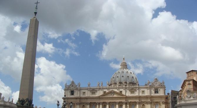 Ватиканът заяви, че изпитва срам и тъга, след доклада за сексуален тормоз от свещеници
