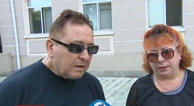 Бащата на починалата родилка разказа как лекарите като мишки се крили, докато тя умирала (видео)