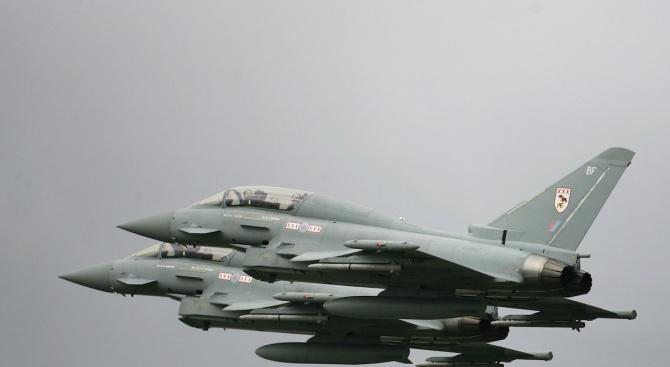 Британски изтребители прехванаха руски самолет над Черно море