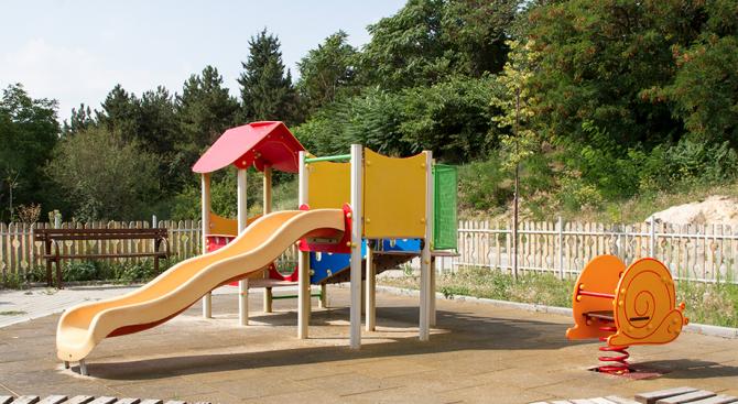 С бюджет от 50 000 лв. Стара Загора ще ремонтира детските площадки в града (снимки)