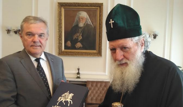 Румен Петков разговаря с патриарх Неофит