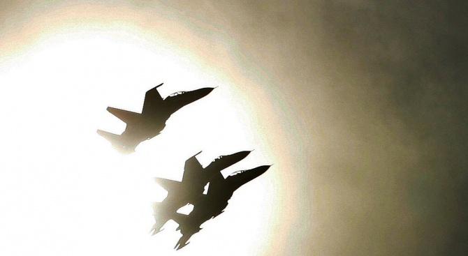 Турция праща бойни кораби и самолети в Северен Кипър