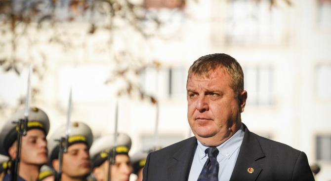 Каракачанов: Хората от ВВС дават всичко от себе си, за да защитават суверенитета на България