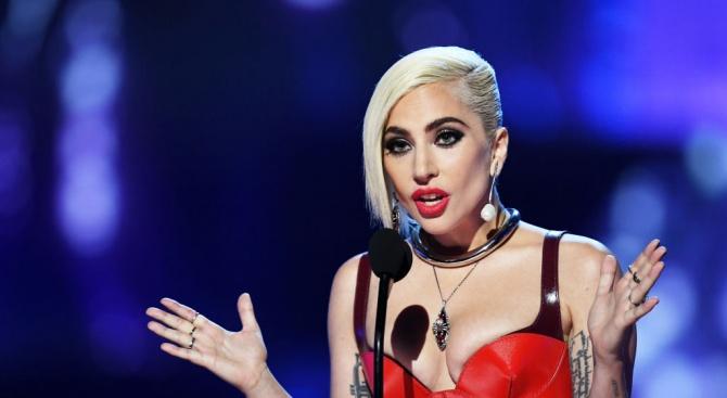 Лейди Гага се показа напълно гола (снимки 18+)