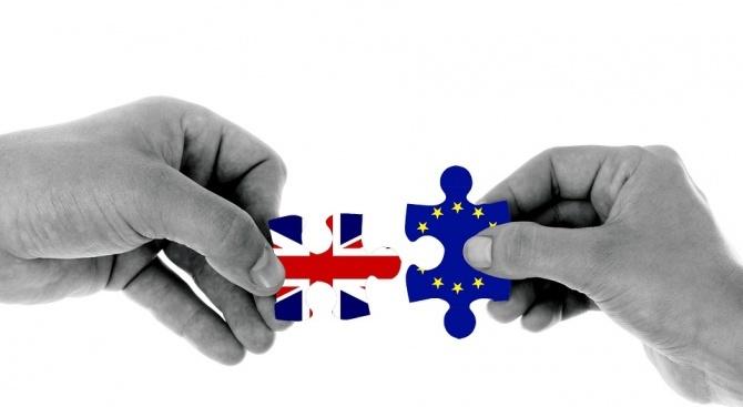 Великобритания и ЕС се надяват да има споразумение за Брекзита до средата на октомври