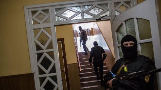 Експлозия на бомба в ресторант в Донецк уби лидера на проруските сепаратисти (обновена)