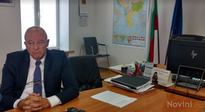 Агресивни граждани нахлуха в сградата на Министерство на транспорта, опитаха се да арестуват зам. - министър Попов (видео+снимки)