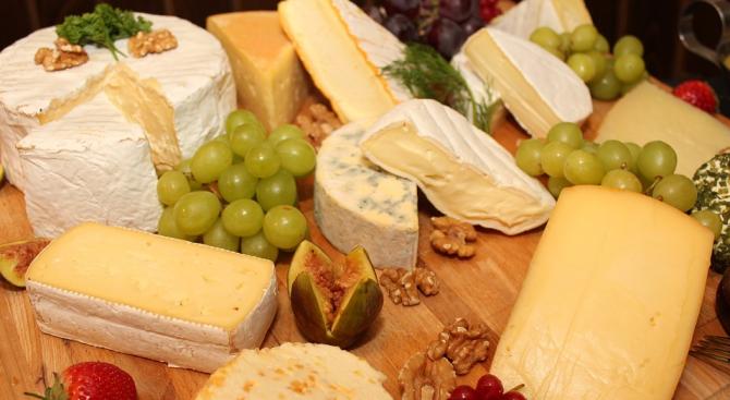 Пълномасленото сирене и кашкавал свалят холестерола