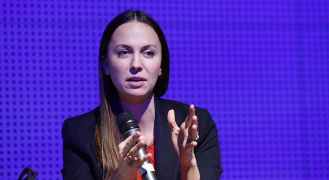 Ева Майдел: Над 2 млрд. евро са инвестициите в изкуствен интелект