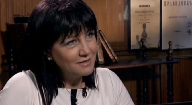 """Цвета Караянчева: БСП са закъснели с """"тръгването си към народа"""" (видео)"""