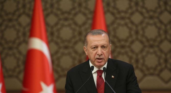 Ердоган: Турция не може да приема повече бежанци
