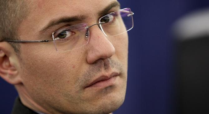 Джамбазки: Един призрак броди из Европа - призракът на розовия либерализъм