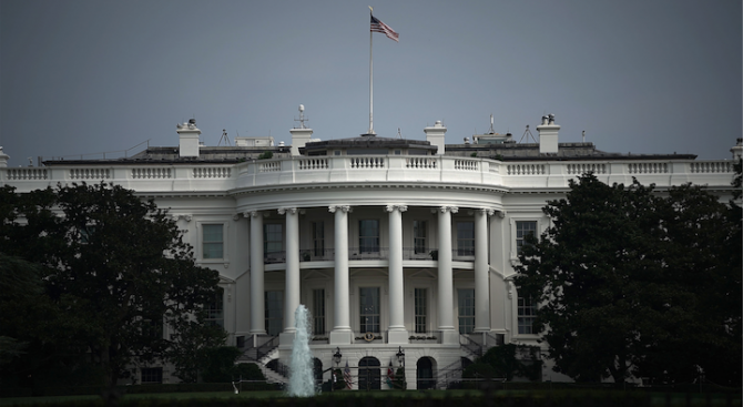 Белият дом предупреди Иран за ролята му в Ирак