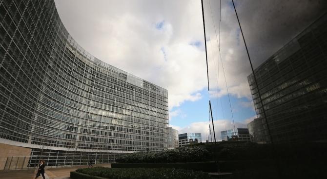 ЕК подкрепи доклада на ЕП за Унгария