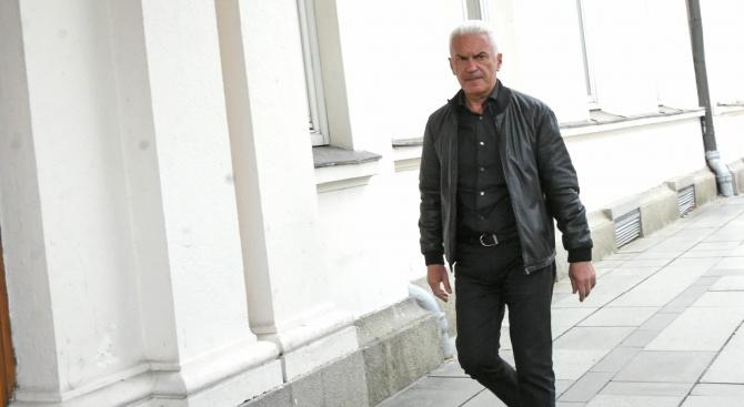 Волен Сидеров смята да отвори неделно училище за депутатите