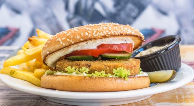 Защо бургерът е любимата храна на учениците?