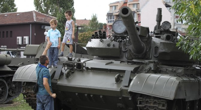 В празника на Независимостта армията ни ще демонстрира военната си техника