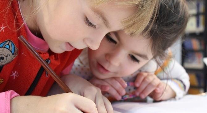 Децата ще учат с песнички и игрички как се бори корупцията